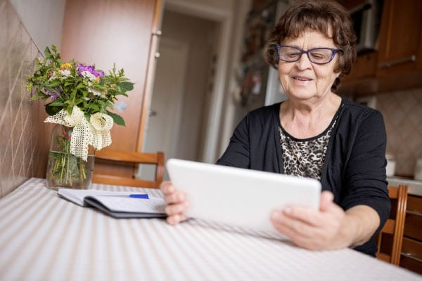 Find long-distance caregiving tips that can help provide peace of mind.