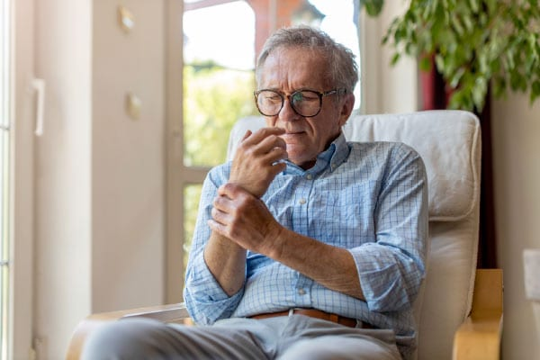 Arthritis Pain in Older Adults, Top Tips to Manage Arthritis Pain in Older Adults